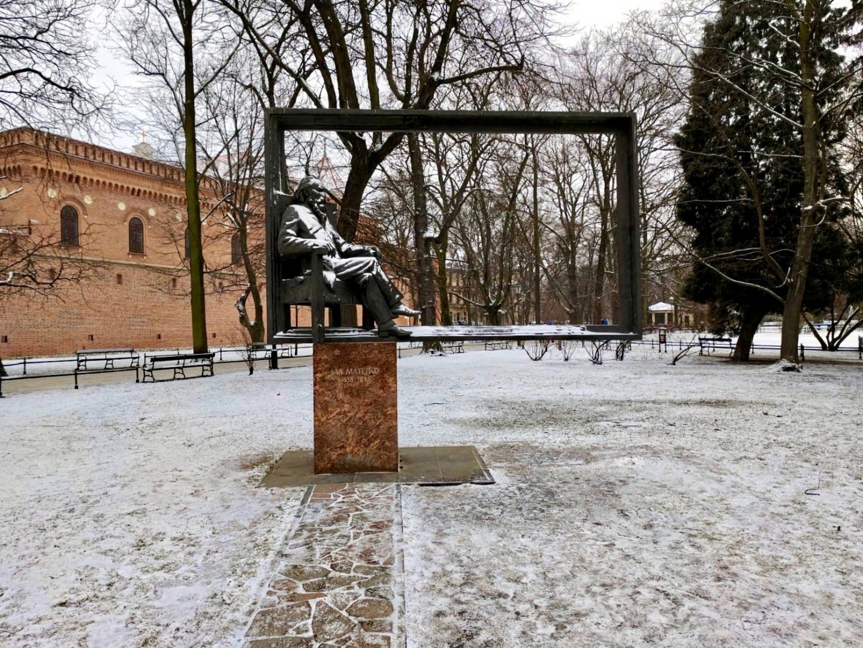 cheap european city break - Krakow in the snow