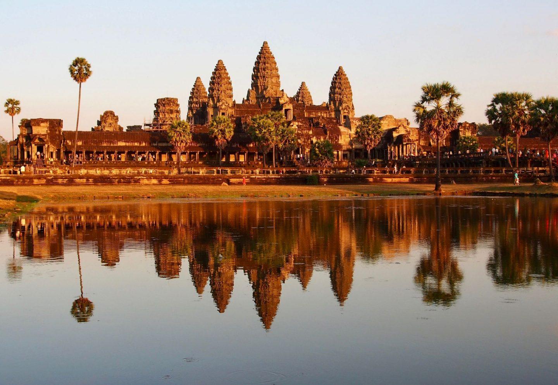 virtual travel experiences: angkor wat at sunrise