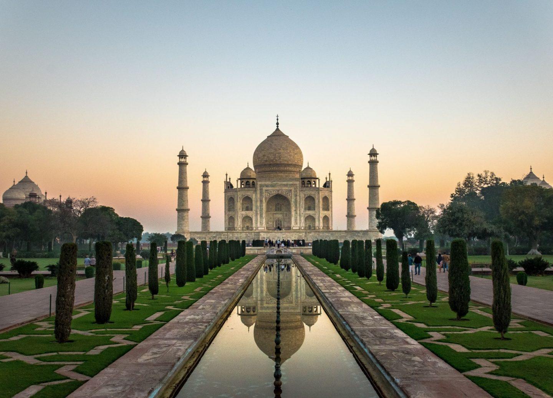 virtual travel experiences: Taj Mahal