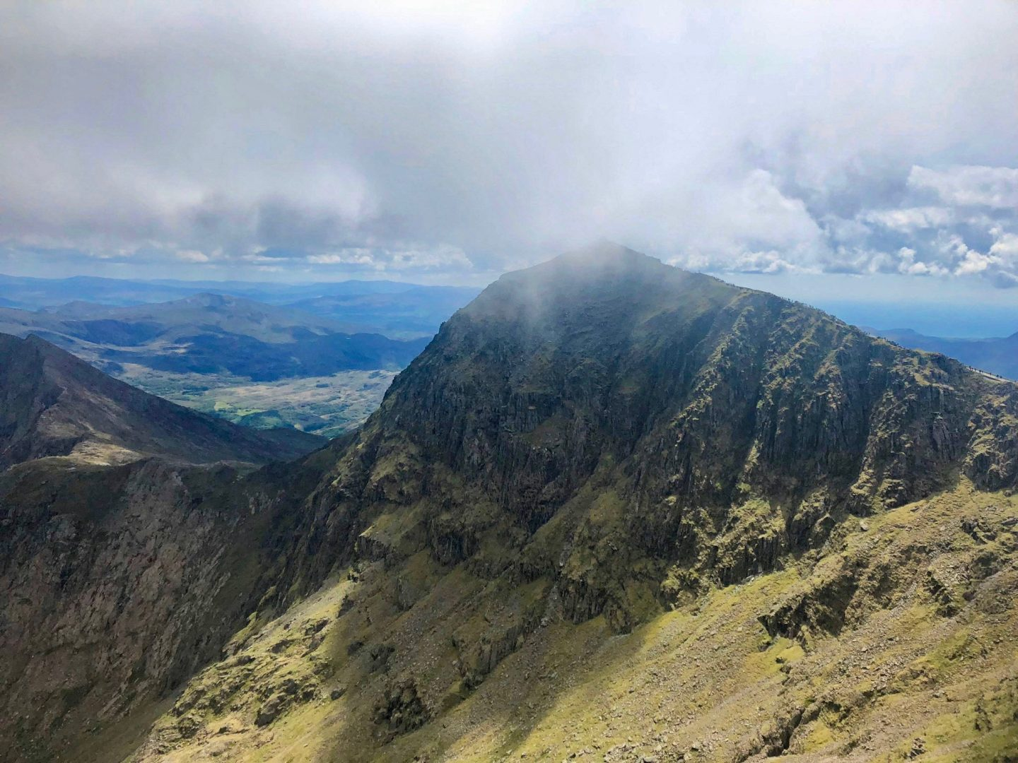 crib goch route up snowdon: the horseshoe